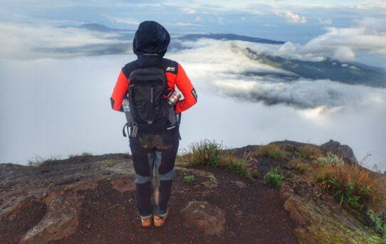 Menikmati Weekend di Gunung Agung, 3.142 mdpl